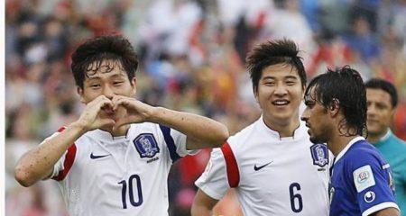 كوريا الجنوبية تهزم الكويت وتتأهل الى الدور المقبل من كأس أسيا .