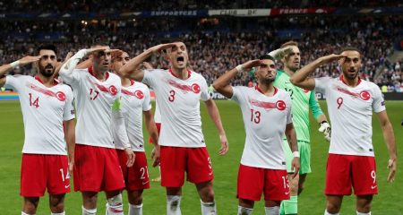 تركيا تختتم التصفيات بفوز خارج الديار