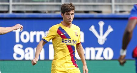 رسمياً ... برشلونة يكشف عن طبيعة إصابة روبرتو