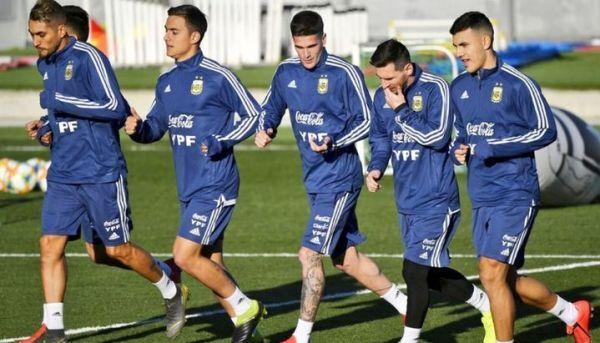 تشكيلة الأرجنتين الرسمية أمام البرازيل