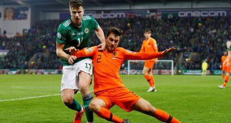 هولندا تتعادل أمام إيرلندا الشمالية وتحجز مقعداً في اليورو
