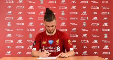 رسمياً - إليوت يوقع على عقد إحترافه في ليفربول