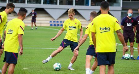 دي يونج يعود لتدريبات برشلونة