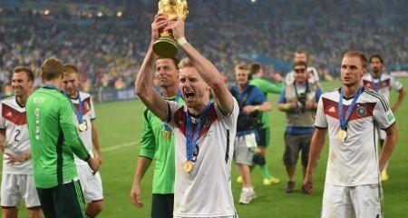 رسمياً - أندريه شورلة يعلن إعتزاله كرة القدم