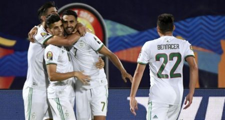 نجم الجزائر يغيب فترة طويلة عن الملاعب