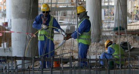فيروس كورونا يضرب عمّال مونديال قطر