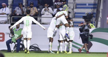 السعودية تقهر قطر وتلحق بالبحرين إلى النهائي