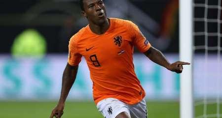 فاينالدوم يقود هولندا لفوز صعب في روسيا البيضاء