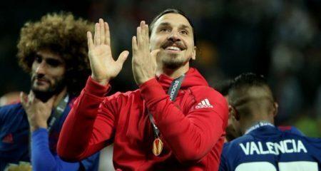 رسمياً .. إبراهيموفيتش يعود إلى مانشستر يونايتد