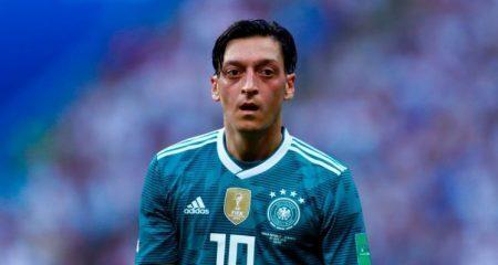 رسمياً .. أوزيل يعلن إعتزاله اللعب الدولي