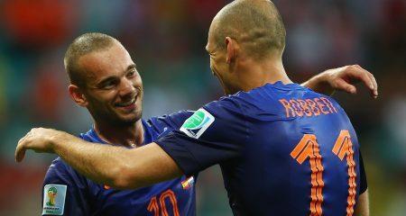 شنايدر : اصابة روبن وفان بيرسي ستؤثر على منتخب هولندا .